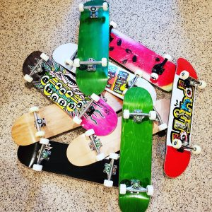 9 more ready to go! #pittsburghskateboarding #pushinforapurpose #getkidspushin #nonprofit